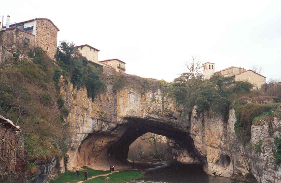 Puentedey. Palacio de los Brizuela | Asociación española de amigos de los  Castillos, Castillos de España, Castillos medievales